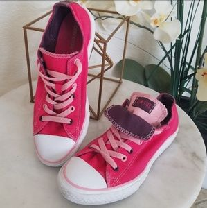 Converse size 5 pink low top sneakers